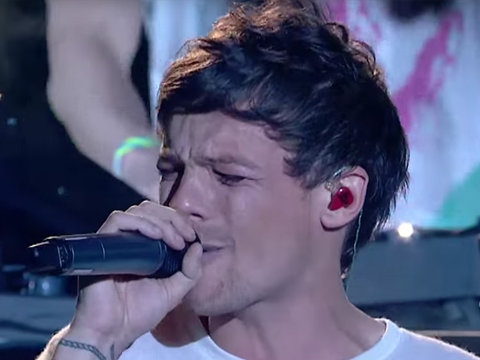 Louis Tomlinson Gives Extremely Emotional 'X-Factor' Performance After Mom's Death