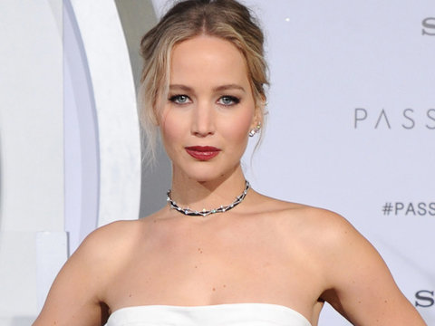 Jennifer Lawrence Transforms Into a Modern-Day Princess For 'Passengers' Premiere