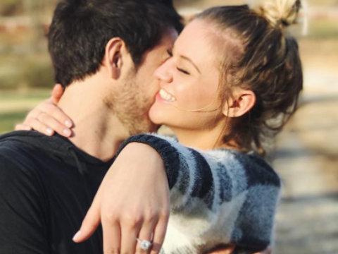 Kelsea Ballerini Gets Engaged to Australian Musician Morgan Evans on Christmas Day