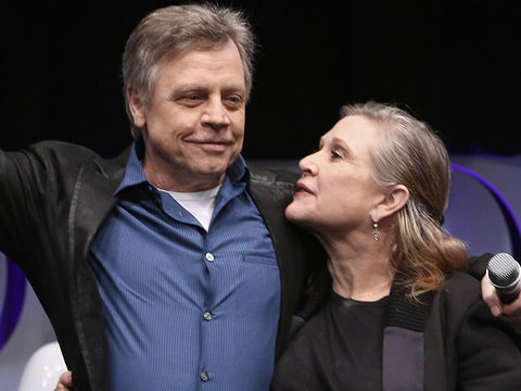 'Star Wars' Star Mark Hamill on Carrie Fisher, Debbie Reynolds Deaths: 'I'm Angry and So…