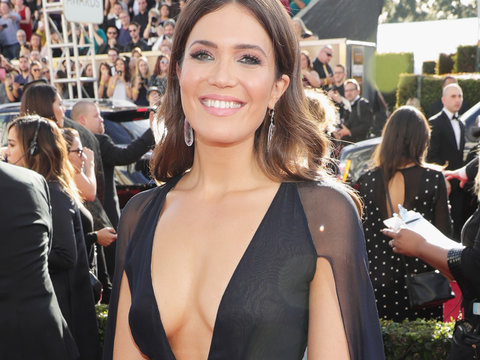 "The Cast of ""This Is Us"" Goes Glam at the Golden Globe Awards (Photos)"