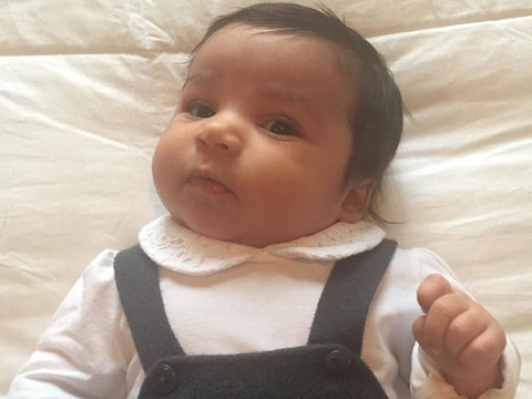 Rob Kardashian Shares Sweet Moment with Daughter Dream on 2-Month Birthday (Photo)