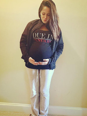 'Teen Mom 2' Star Jenelle Evans Flaunts Big, Bare Baby Bump (Photo)
