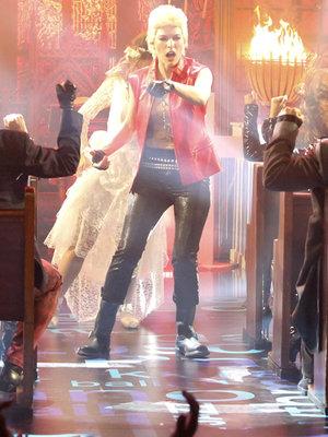 Milla Jovovich Transforms Into Billy Idol for 'Lip Sync Battle' (Video)