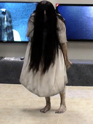 Samara Scares Unsuspecting TV Store Shoppers In 'The Ring'-Inspired Prank (Video)