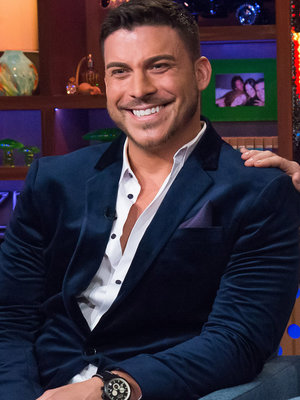 'Vanderpump Rules' Star Jax Taylor Proves That He Actually Is 'Boyfriend Material' (Video)