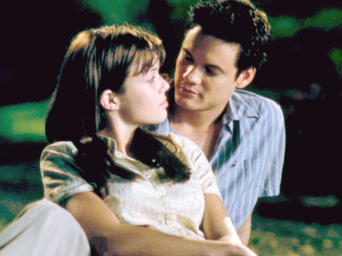 'A Walk to Remember' Stars Mandy Moore, Shane West Stage 15 Year Reunion (Photos)