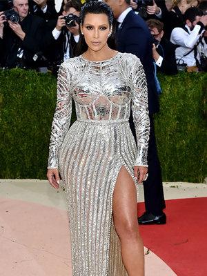 Kim Kardashian Flaunts Dramatic Weight Loss In New Snap (Photos)