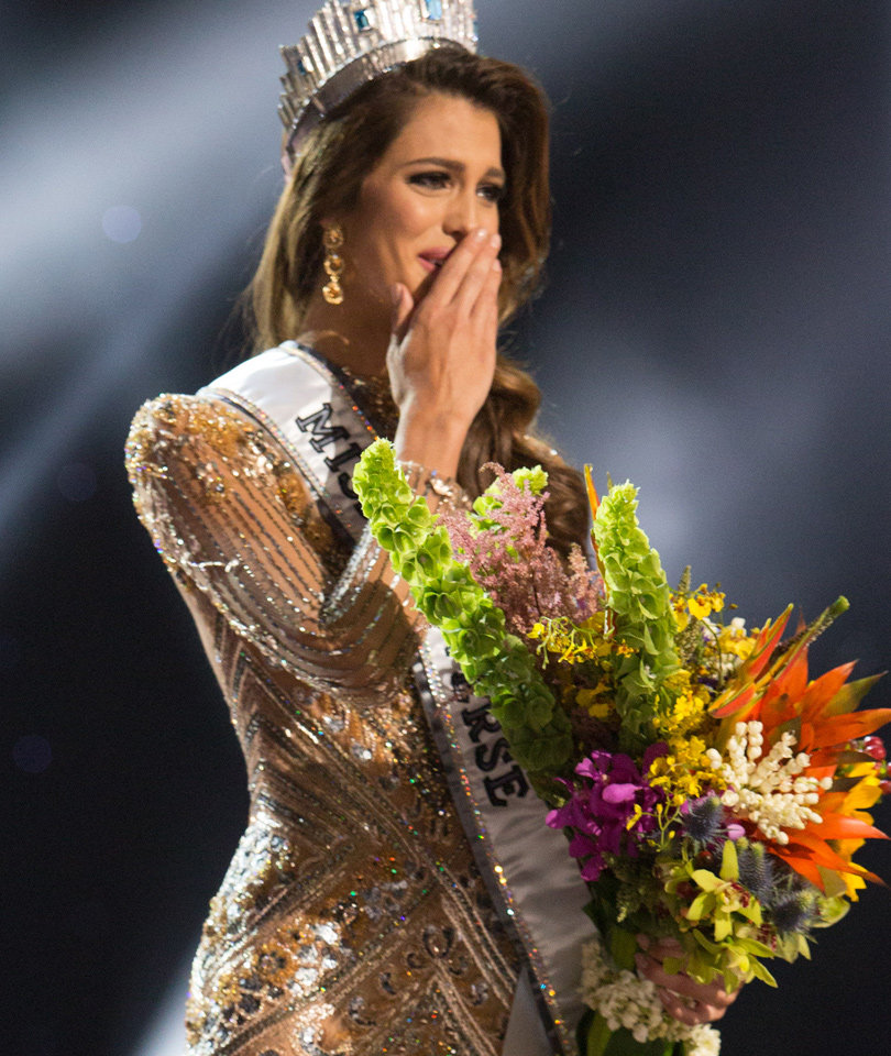 Miss Universe Host Steve Harvey Gets It Right This Time as Miss France Wins…