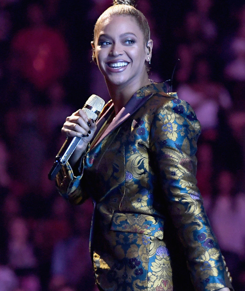 Beyonce Just Broke the Internet (Again) With Pregnancy News -- And the…