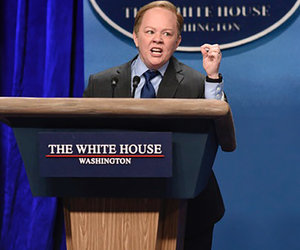 'SNL': Melissa McCarthy Steals Show as Sean Spicer, Kristen Stewart Drops the…