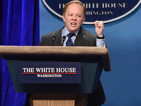 'SNL': Melissa McCarthy Steals Show as Sean Spicer, Kristen Stewart Drops the F-Bomb and…