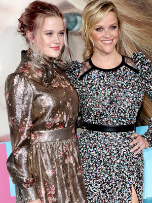 'Big Little Lies' Premiere: Reese Witherspoon Attends with Look-Alike Daughter (Photos)