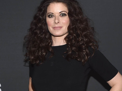 Debra Messing Reveals Sexual Harassment From 'Ass-Hat' Director