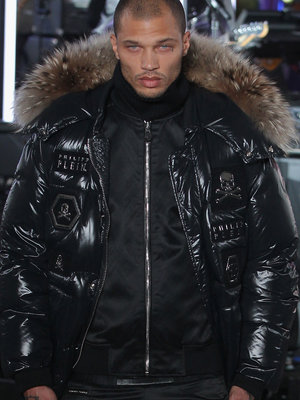 Hot Mugshot Guy Jeremy Meeks Makes His Fashion Week Debut (Photos)
