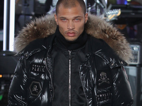 Hot Mugshot Guy Jeremy Meeks Makes His Fashion Week Debut