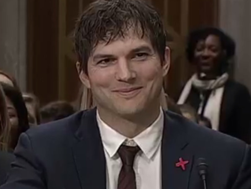 Kisses, Tears and Insults -- Ashton Kutcher Endures It All During Emotional…