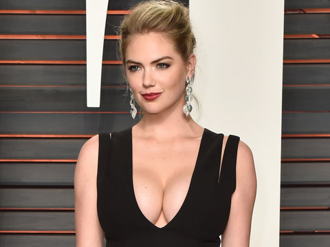 Kate Upton Is Basically Naked on Sports Illustrated's Swimsuit Cover: See All 3 Smokin'…