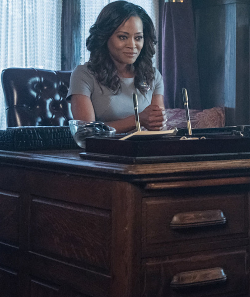 'Riverdale' Star Robin Givens on Aging In Hollywood: 'When Did We Become the…