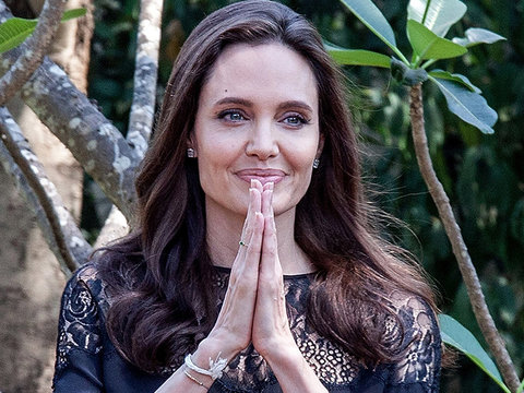 Angelina Jolie Steps Out With All of the Kids: See How Big They Are Now (Photos)