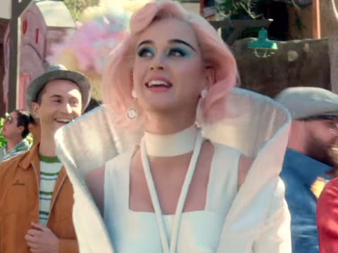 'The Jetsons' Meets 'Hunger Games' in Katy Perry's Dystopian 'Chained to the Rhythm'…