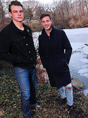 How Two Models Saved Teens Who Fell Through Ice While Taking Selfie (Video)