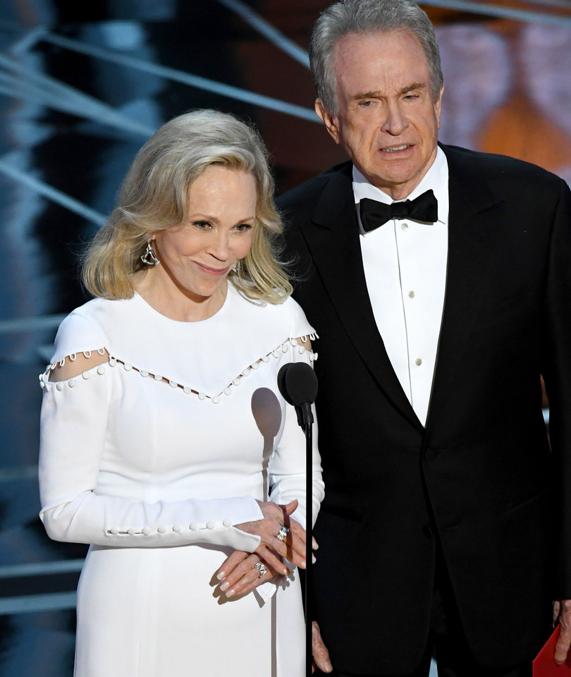 Bonnie and Clyde Pull Off Biggest Oscar Heist in History