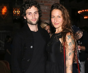 'Gossip Girl' Alum Penn Badgley Marries Domino Kirke in Intimate Courthouse…