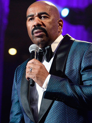 Steve Harvey Sleeps Through Warren Beatty Pulling a Steve Harvey at the Oscars