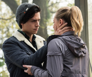 'Riverdale' Star Lili Reinhart Dishes on That Steamy Kiss With Cole Sprouse And…