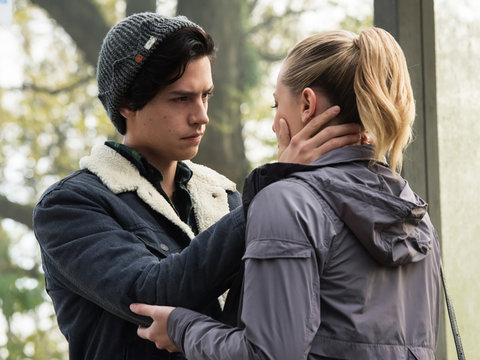 'Riverdale' Star Lili Reinhart Dishes on That Steamy Kiss With Cole Sprouse And Who…
