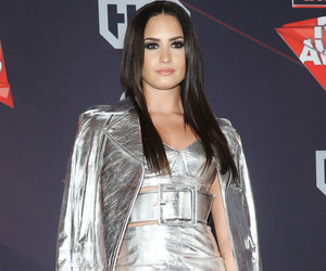See iHeartRadio Awards Red Carpet Photos!