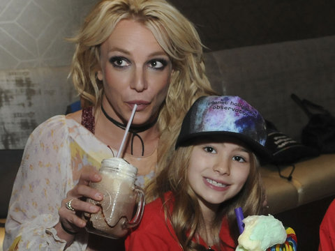 Britney Spears Enjoys Family Outing In Florida with Maddie and Sons