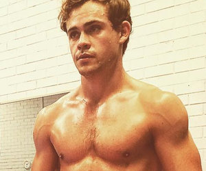 'Power Ranger' Dacre Montgomery on That Naked Video That Landed Him 'Stranger Things'…