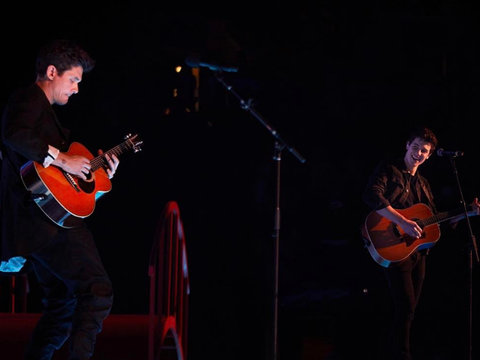 Shawn Mendes and John Mayer Perform Killer Mashup!