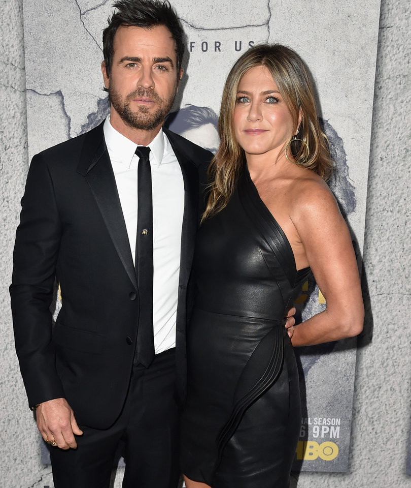 Jennifer Aniston Stuns at Justin Theroux's 'Leftovers' Premiere