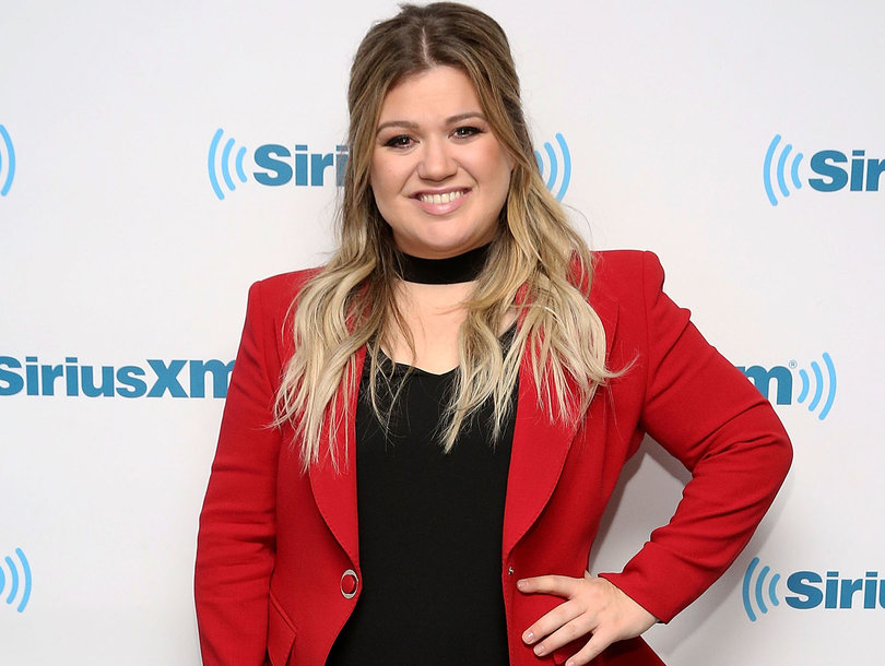 See Why a Cute Video of Kelly Clarkson's Daughter Eating Nutella Sparked Mom Backlash