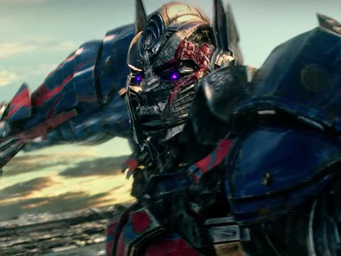 'Transformers' Trailer Gives Hope Optimus Prime Won't Murder Bumblebee