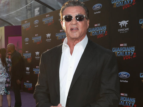 First Look at Sylvester Stallone on 'This Is Us' Set With Milo Ventimiglia, Justin Hartley