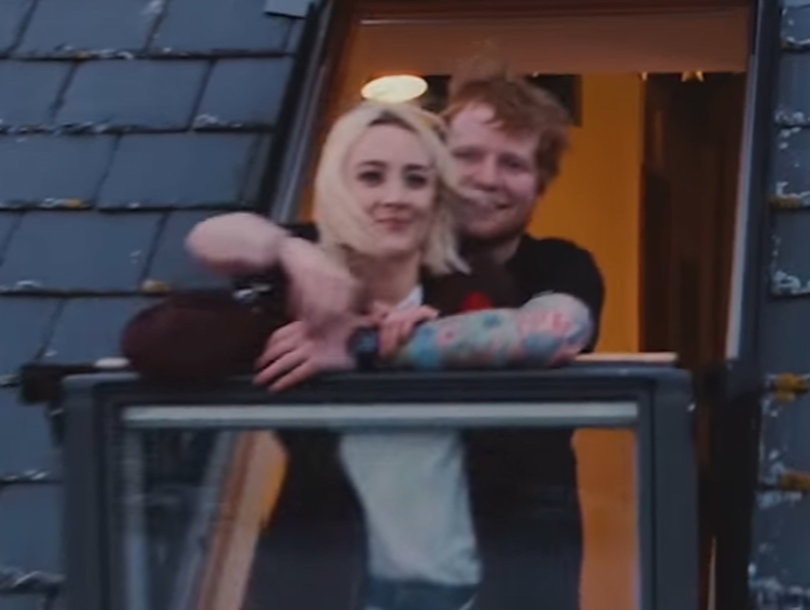 Watch Ed Sheeran and Saoirse Ronan Run Through the Streets of Ireland in…
