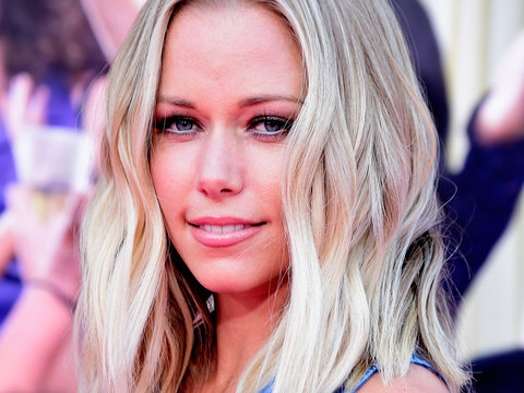 Kendra Wilkinson on Vegas Gig, Feud With Holly Madison