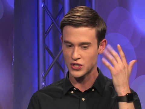 Hollywood Medium Tyler Henry Goes Into Readings With Zero Expectations