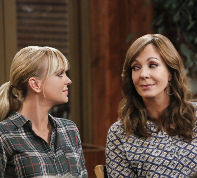 Anna Faris-Allison Janney's Comedy 'Mom' Donates Emmy Campaign Money to Planned Parenthood