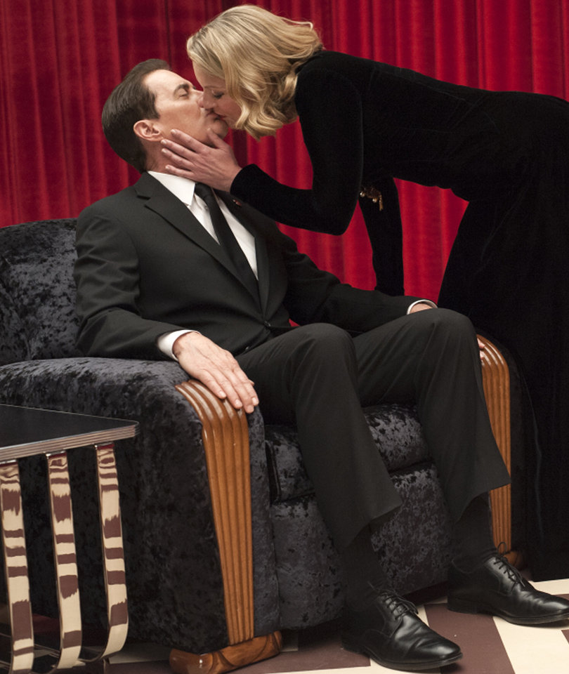'What The Hell Am I Watching?' Here Are the First Reactions to 'Twin Peaks'