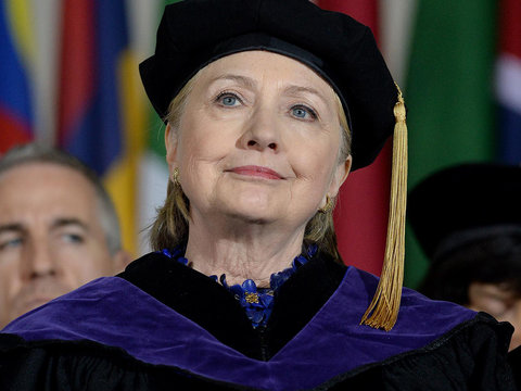 7 Times Hillary Clinton Trolled Trump in Wellesley Commencement Speech