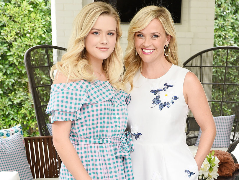 Reese Witherspoon's Daughter Ava Phillippe is Basically her Twin