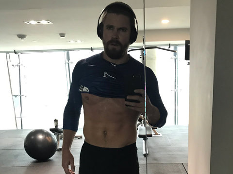 'Arrow' Star to Body Shaming Trolls: 'Take Sh-tty Tweets Elsewhere'