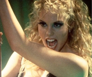 """Showgirls"" Director Reveals Which A-List Star Auditioned for Elizabeth…"
