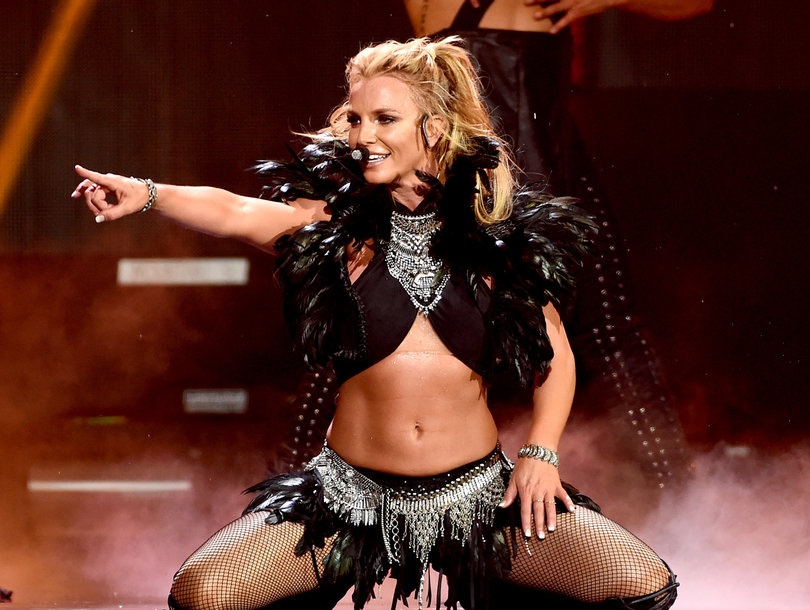 Britney Sings Live In Epic Clap Back at Lip Sync Accusations
