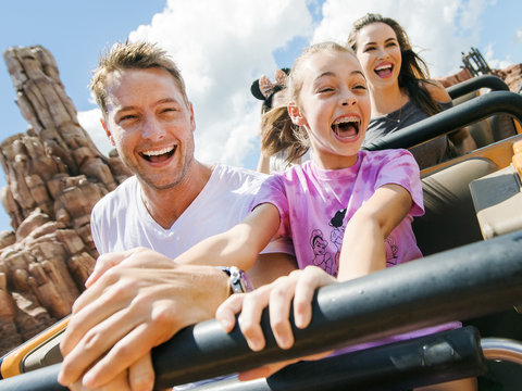 Justin Hartley Visits Walt Disney World with Daughter Isabella